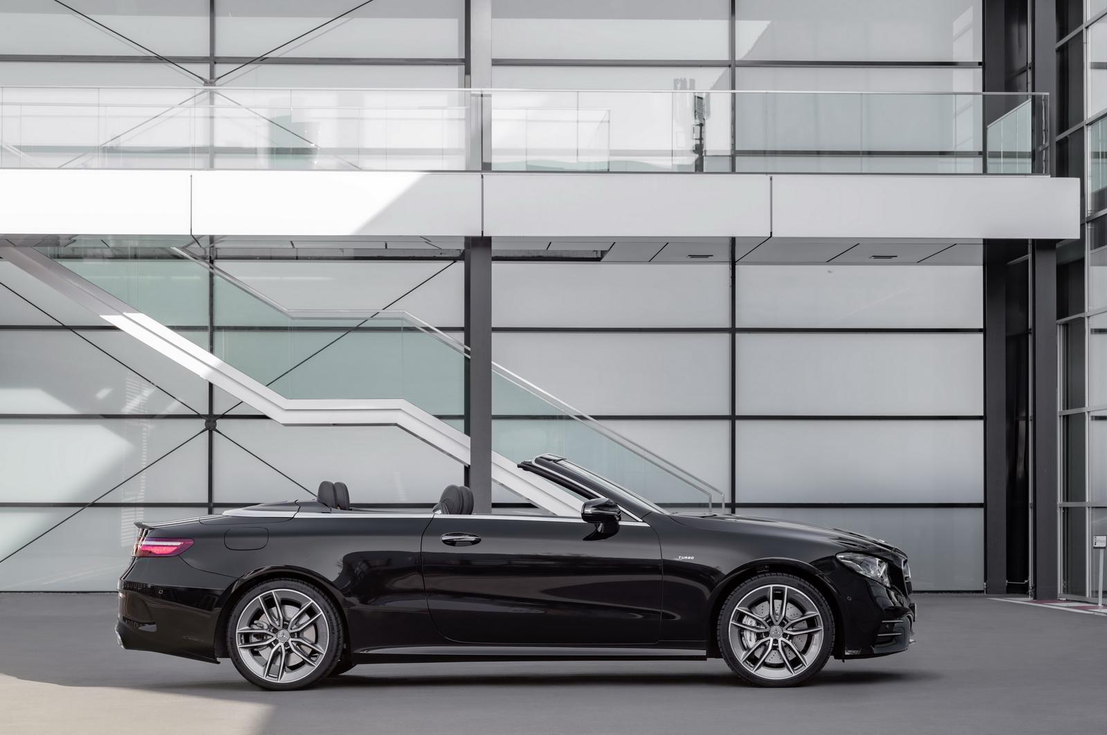 Mercedes-AMG E 53 4MATIC+ CabrioletExterieur: Obsidianschwarz metallic //Exterior: Obsidian black metallic(Kraftstoffverbrauch kombiniert: 8,5 l/100 km; CO2-Emissionen kombiniert: 201 g/km)(fuel consumption combined: 8.5 l/100 km; CO2 emissions combined: 201 g/km)
