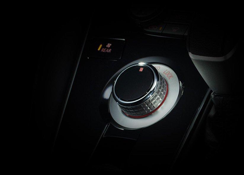 Mitsubishi D5 Delica 2019 (24)