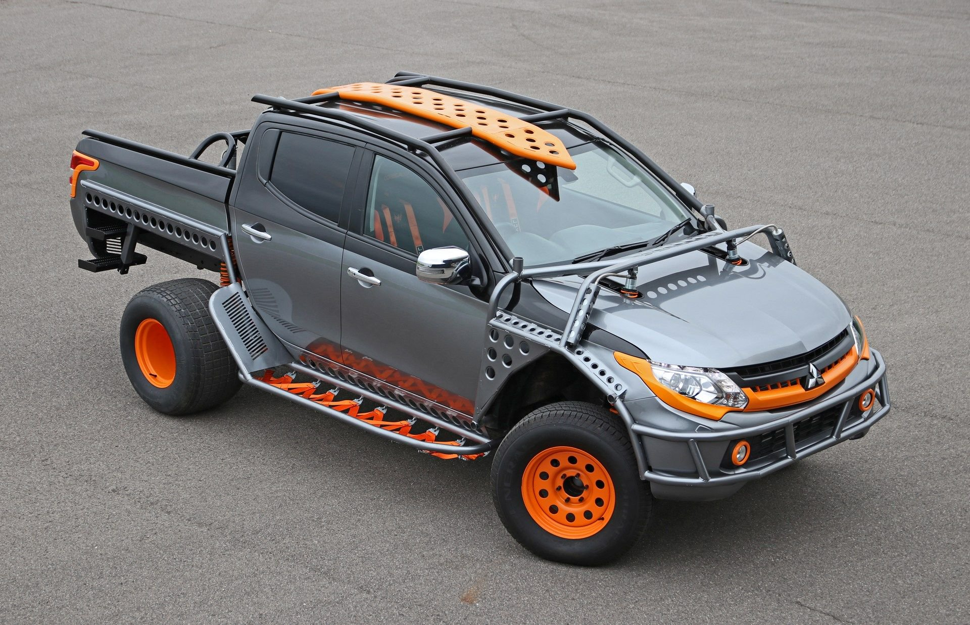 Mitsubishi_L200_Fast_And_Furious_Live_0002