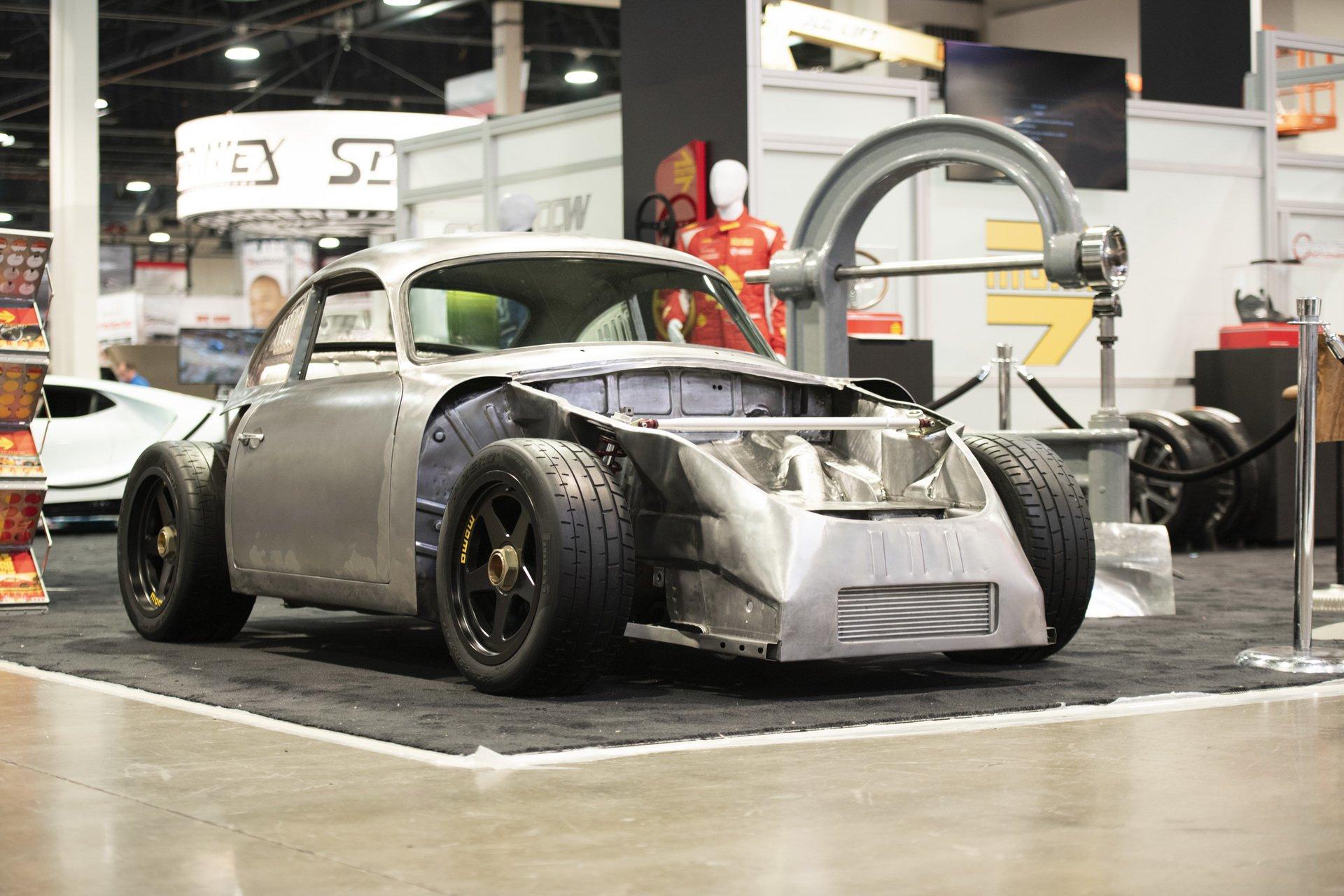 Momo Porsche 356 RSR Outlaw (1)