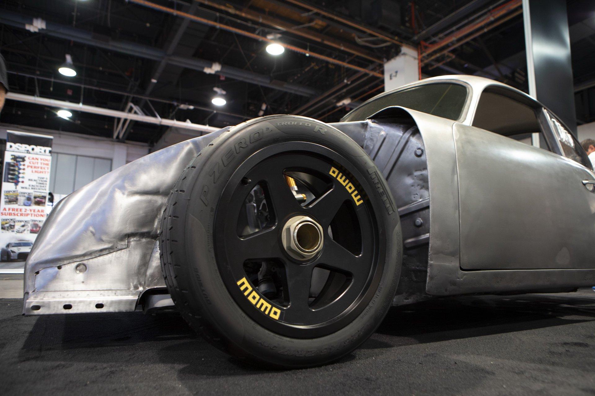 Momo Porsche 356 RSR Outlaw (11)