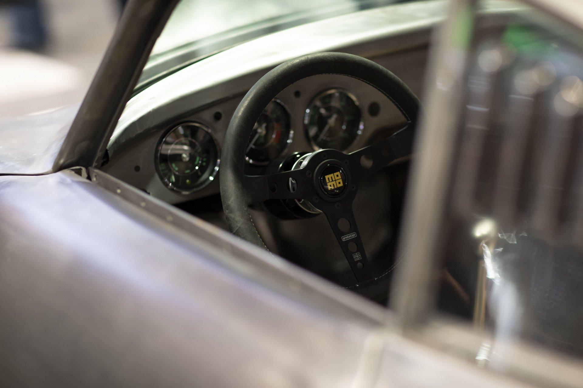 Momo Porsche 356 RSR Outlaw (12)