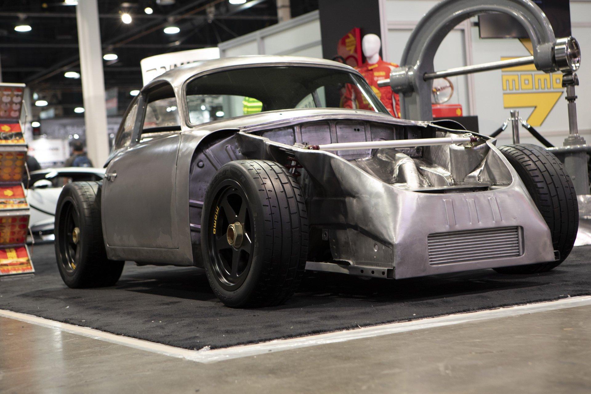Momo Porsche 356 RSR Outlaw (2)