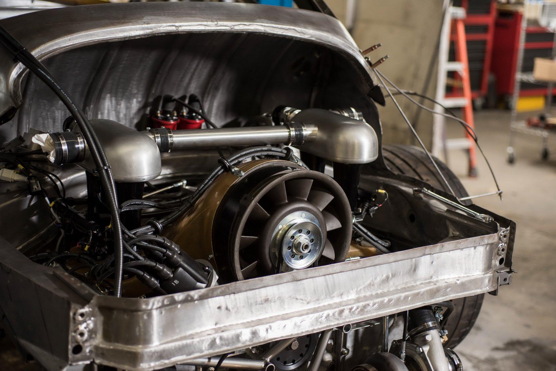 Momo Porsche 356 RSR Outlaw (23)