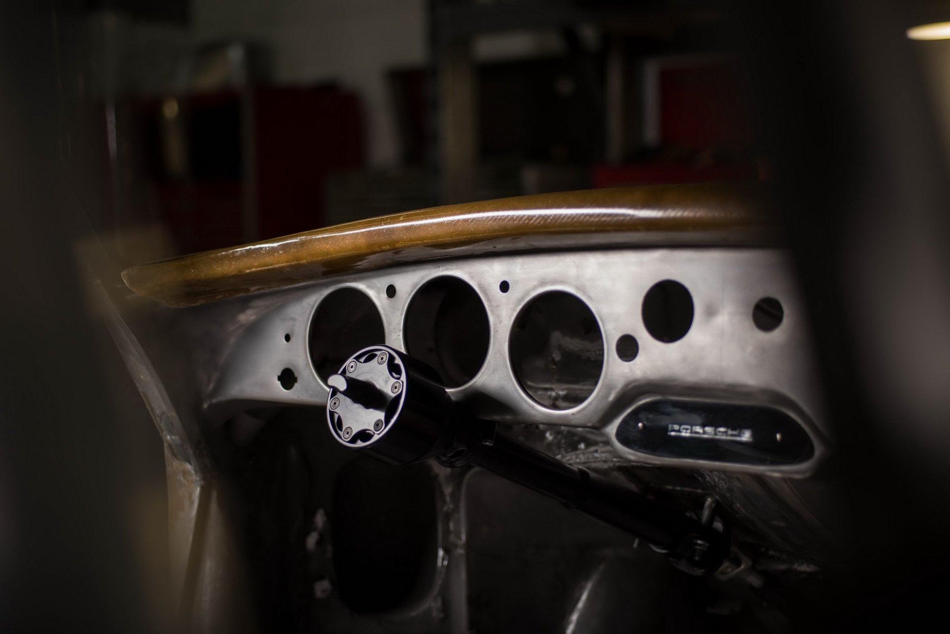Momo Porsche 356 RSR Outlaw (27)