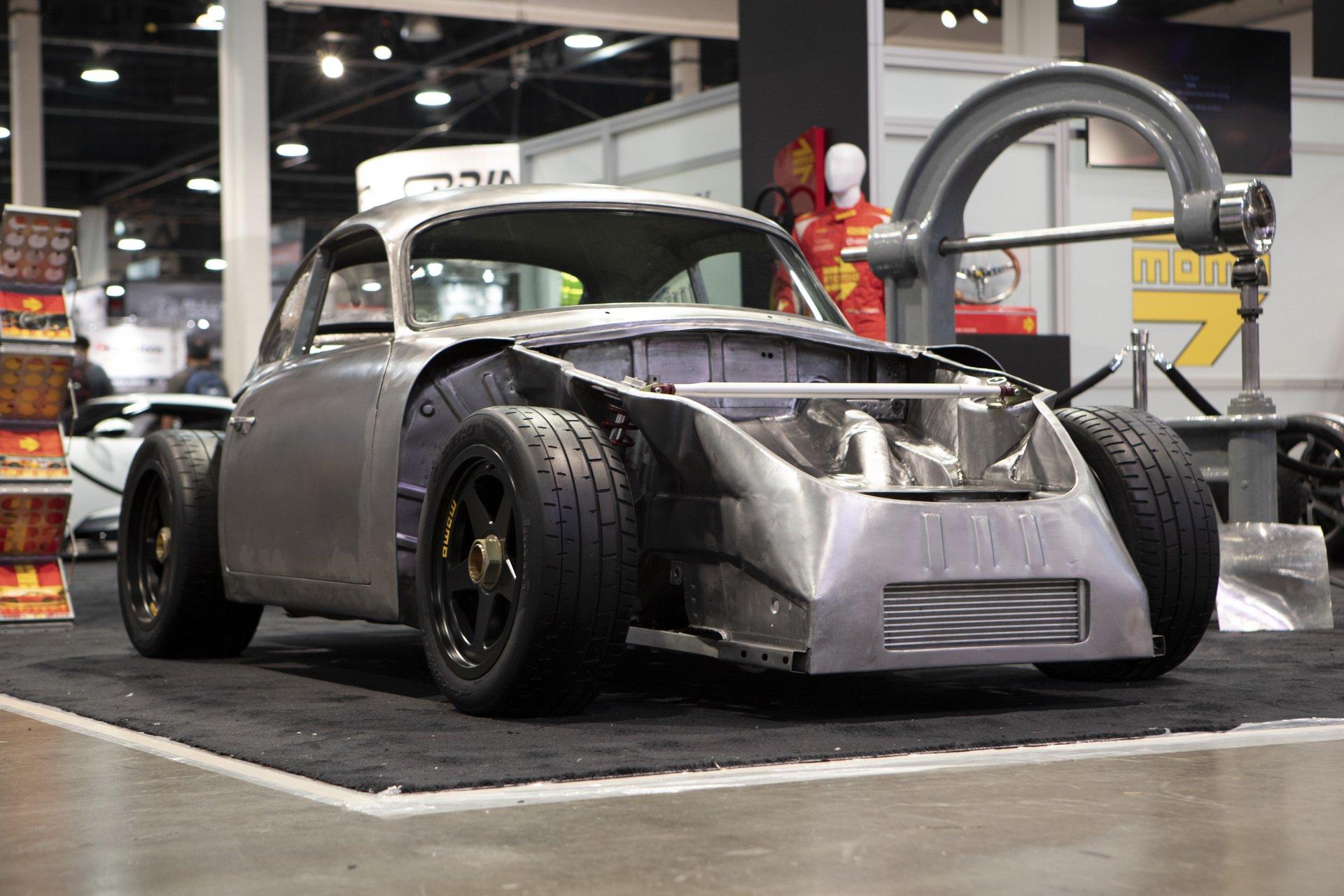 Momo Porsche 356 RSR Outlaw (3)
