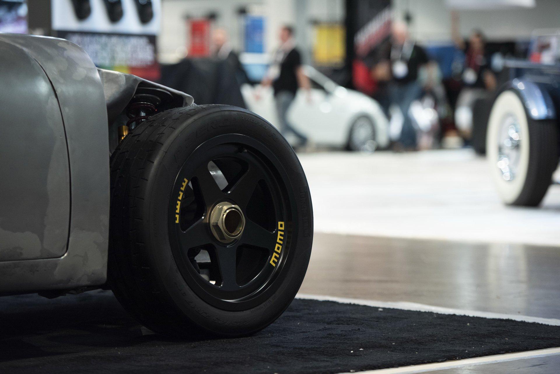 Momo Porsche 356 RSR Outlaw (6)