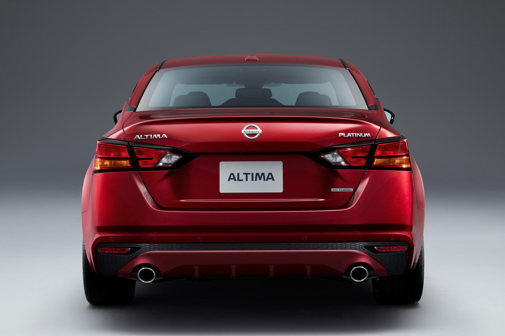 2019-Nissan-Altima-12