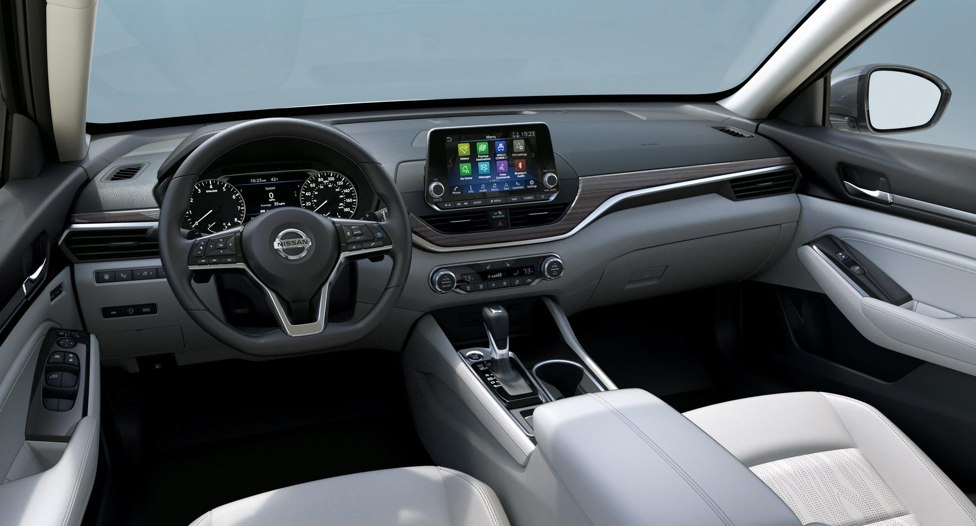 2019-Nissan-Altima-17
