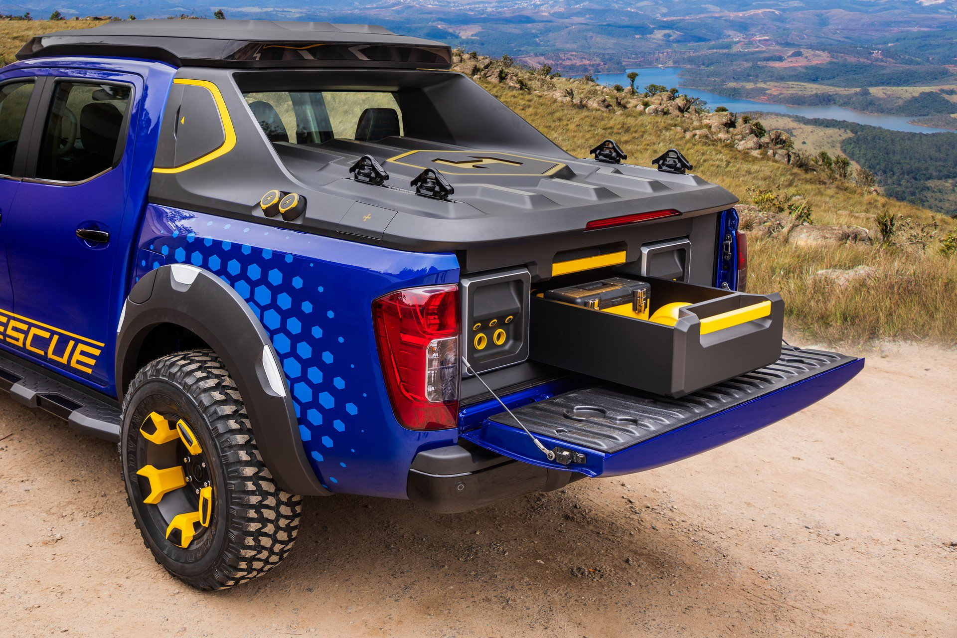 Nissan Frontier Sentinel Concept (14)