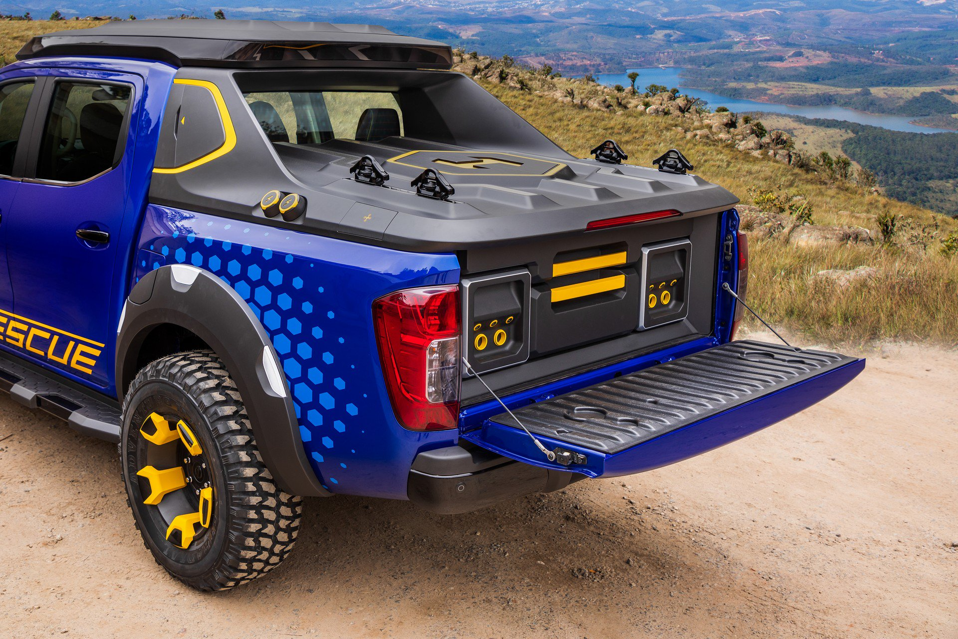 Nissan Frontier Sentinel Concept (16)