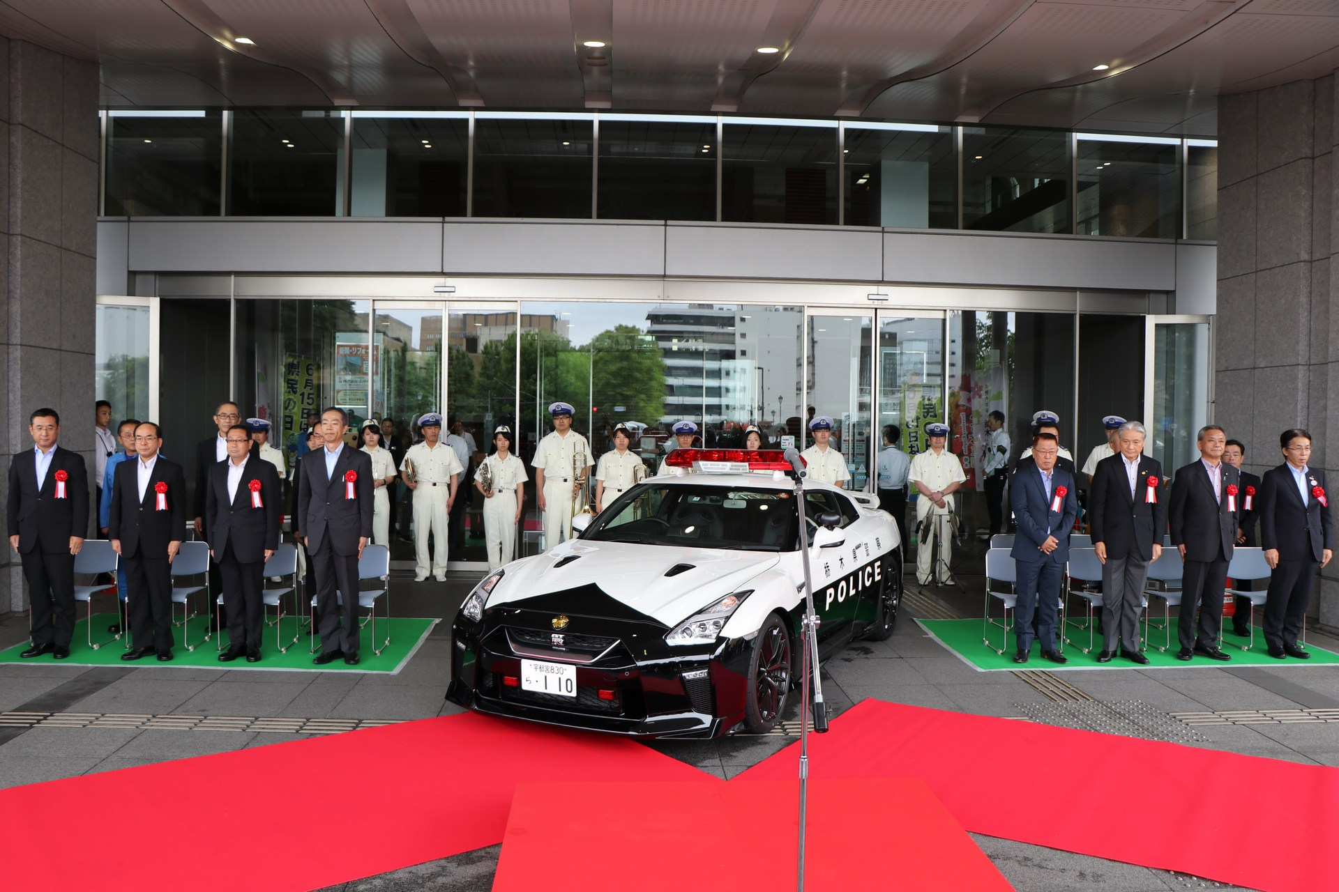 Nissan_GT-R_Police_Car_0002