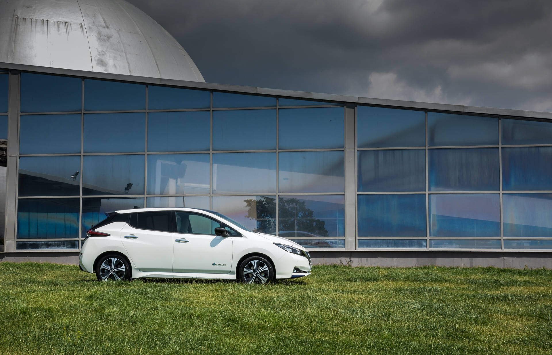Nissan_Leaf_greek_presskit_0002