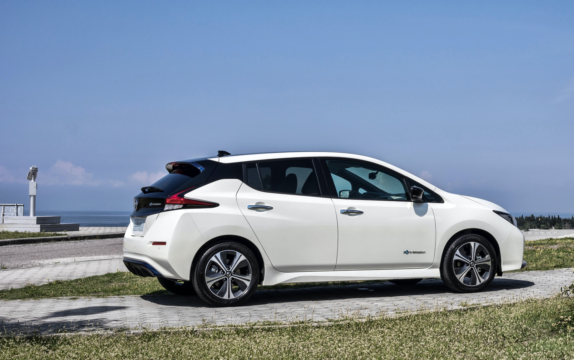 Nissan_Leaf_greek_presskit_0003