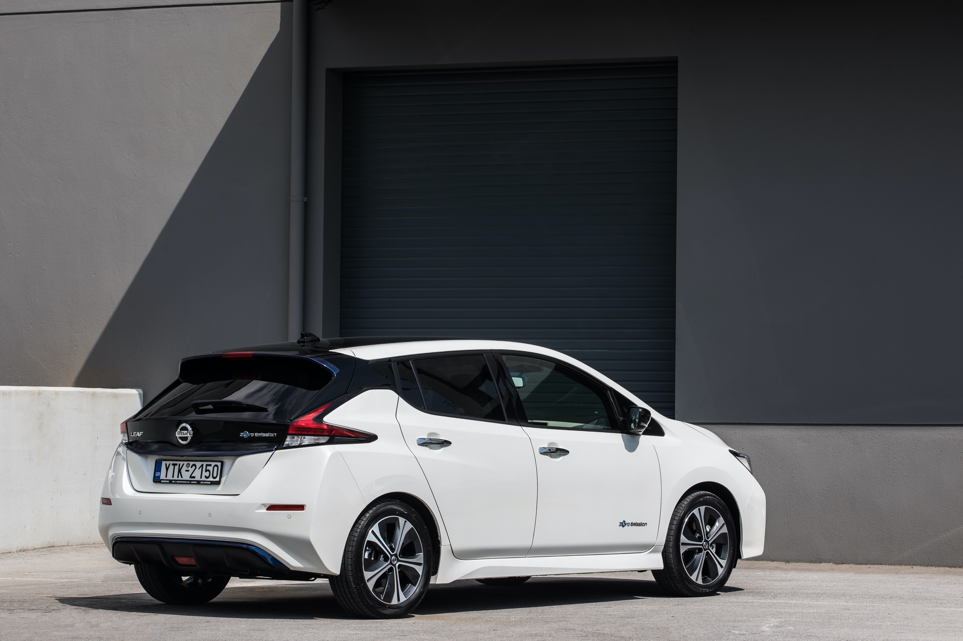 Nissan_Leaf_greek_presskit_0005