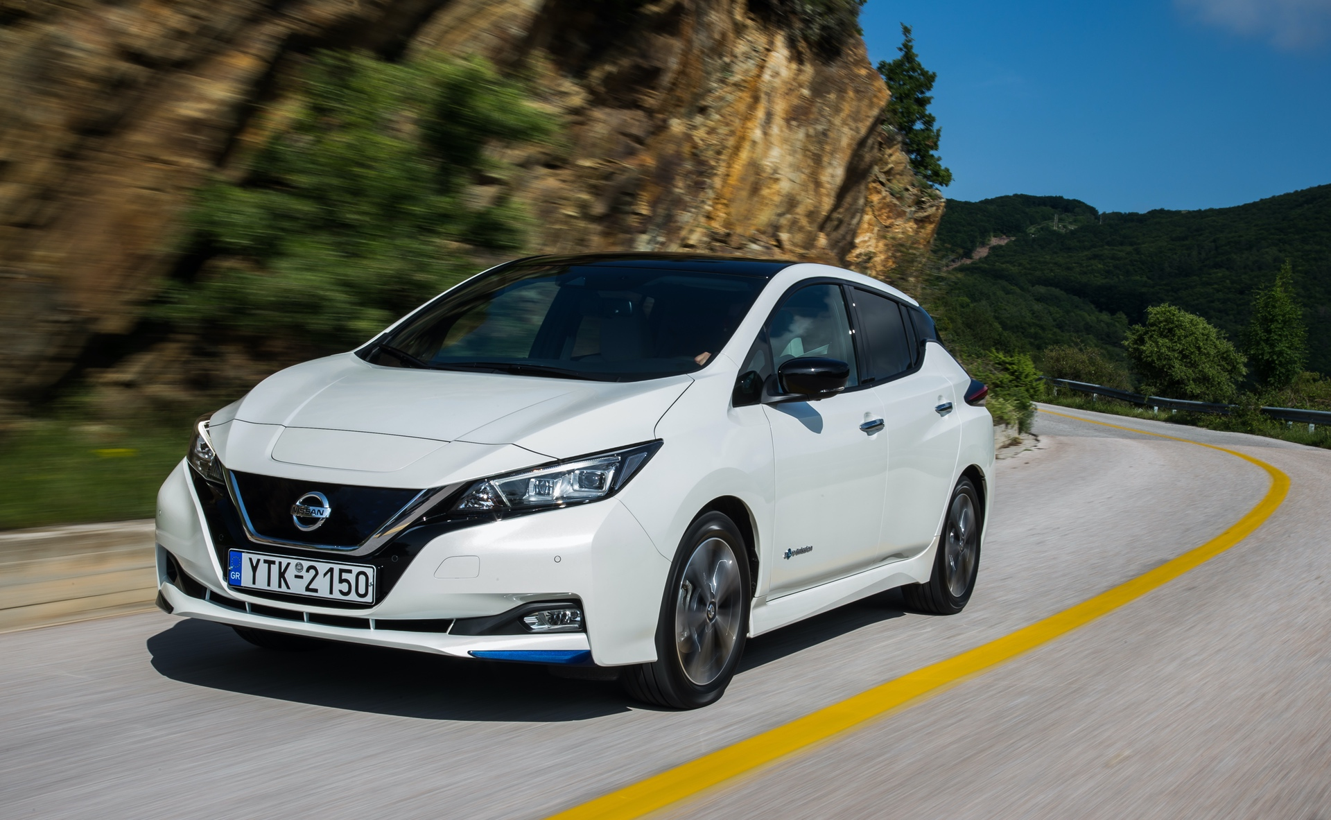 Nissan_Leaf_greek_presskit_0007