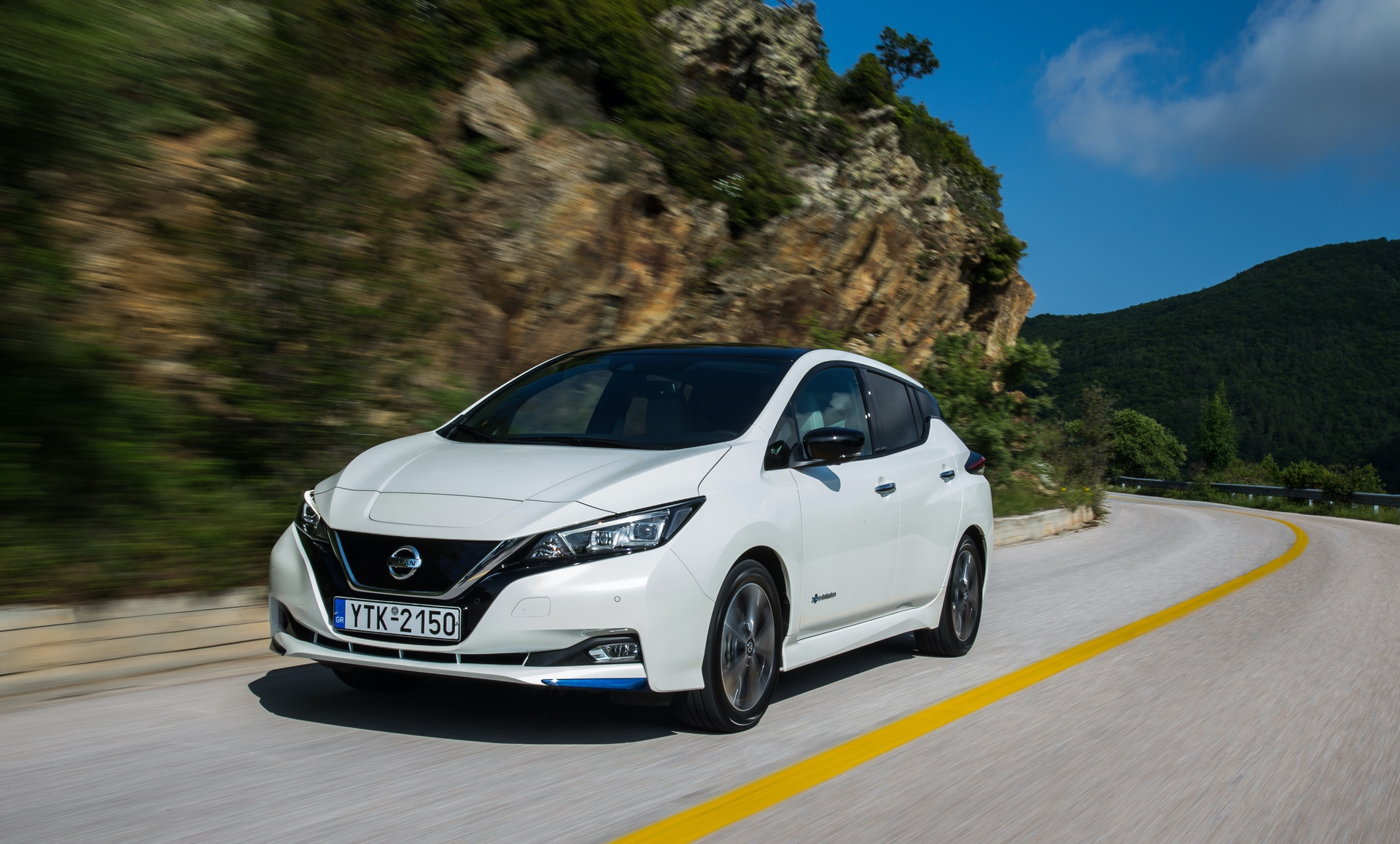 Nissan_Leaf_greek_presskit_0008