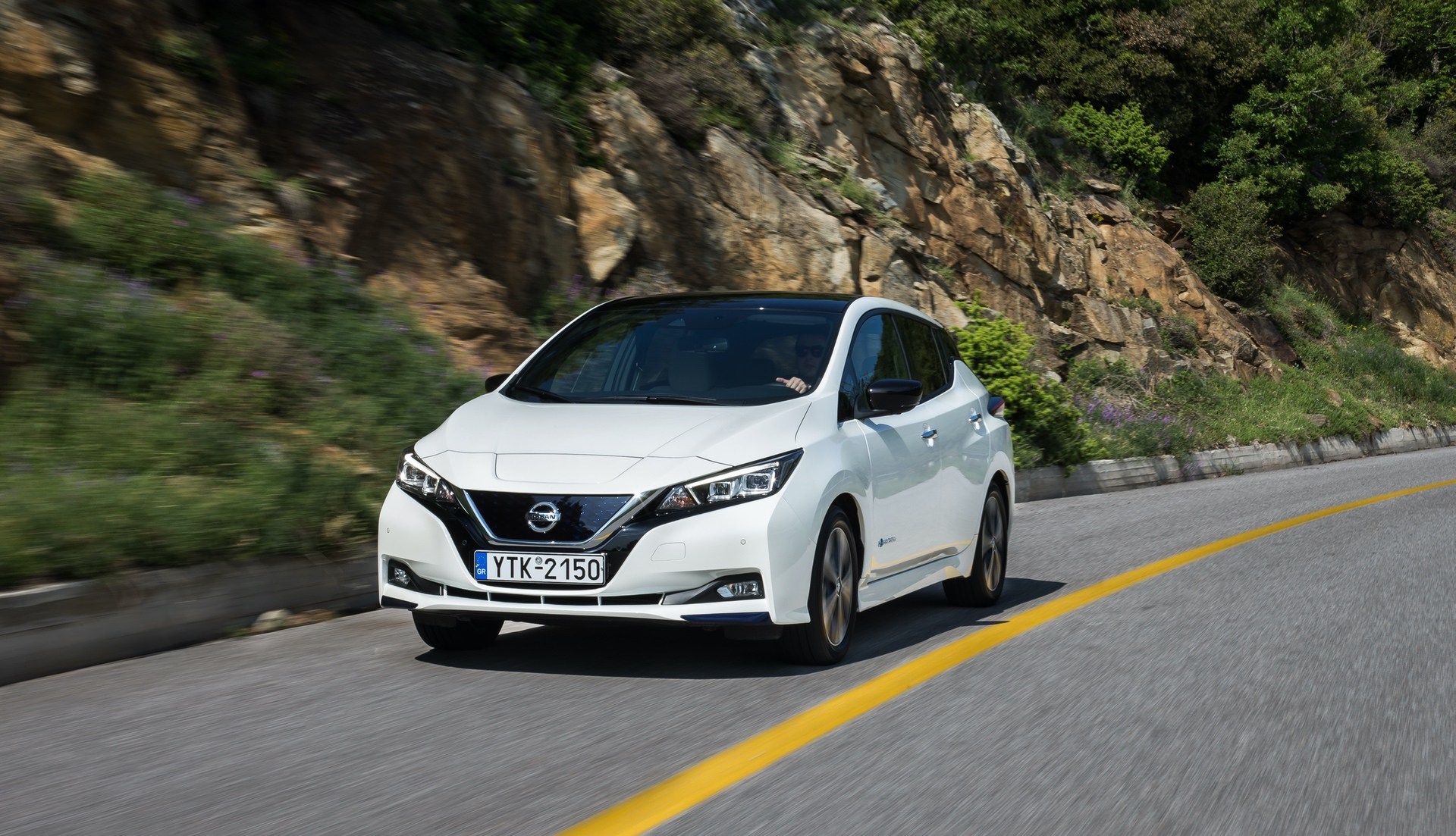 Nissan_Leaf_greek_presskit_0009