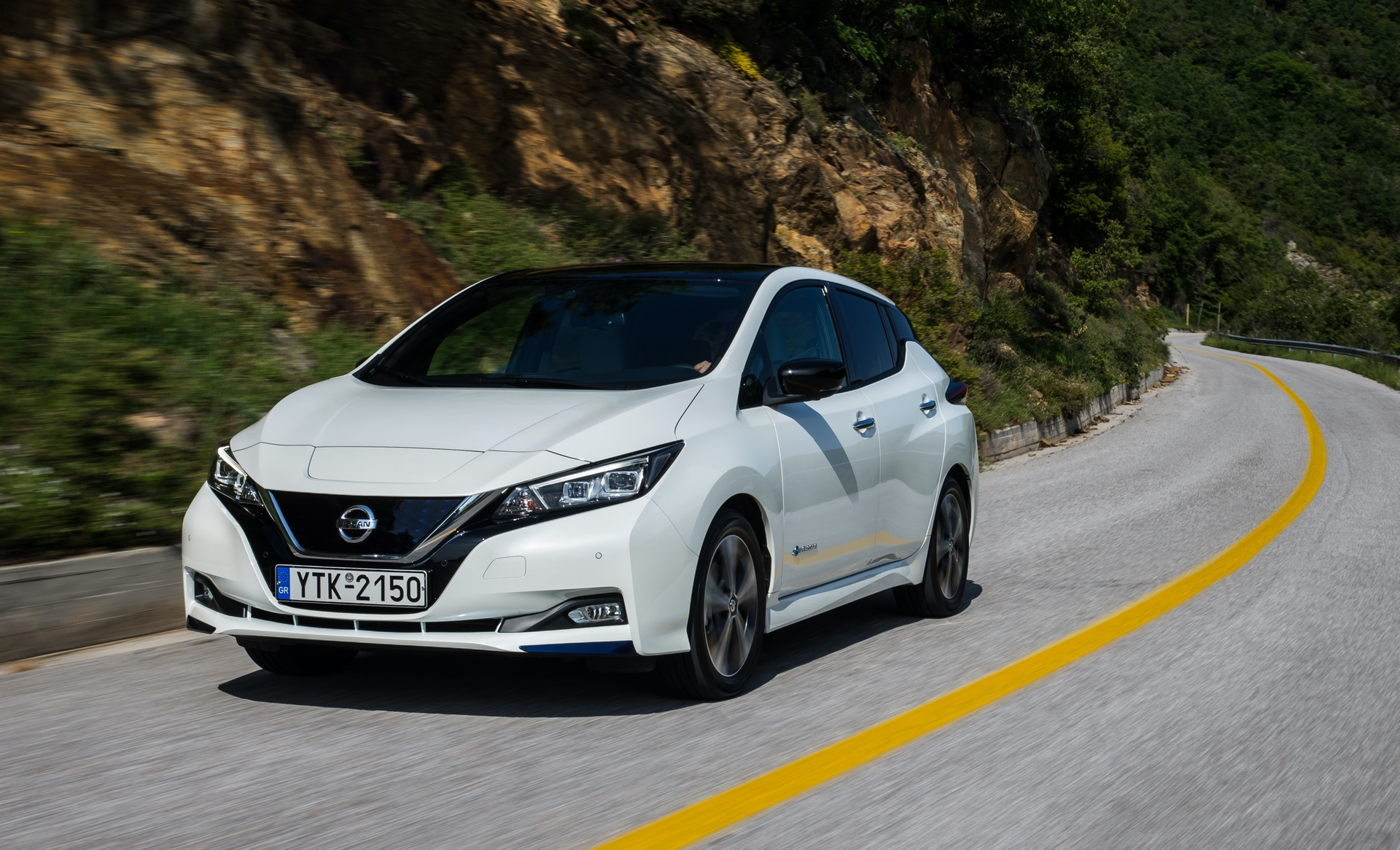 Nissan_Leaf_greek_presskit_0012