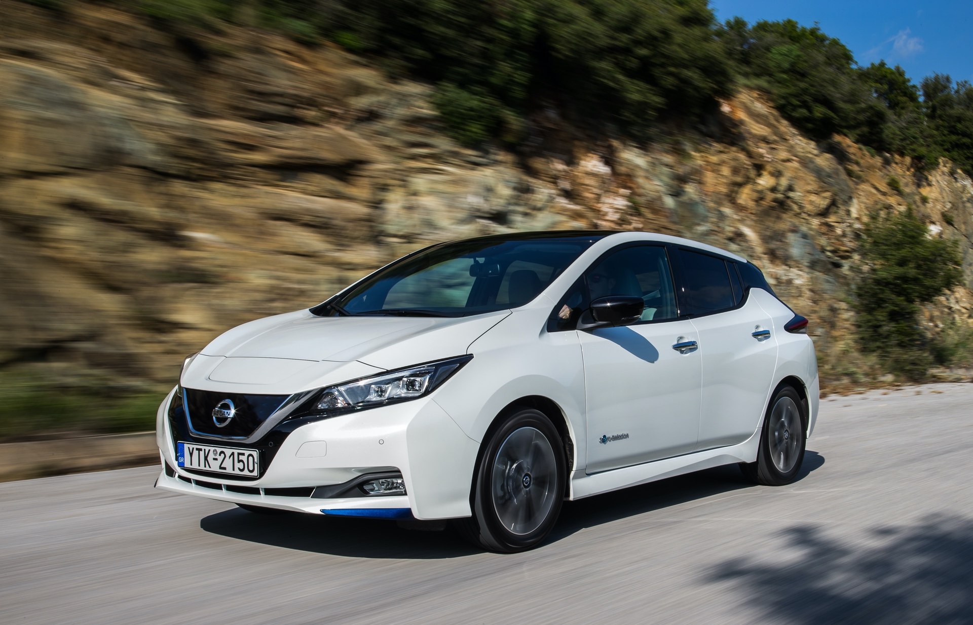 Nissan_Leaf_greek_presskit_0014