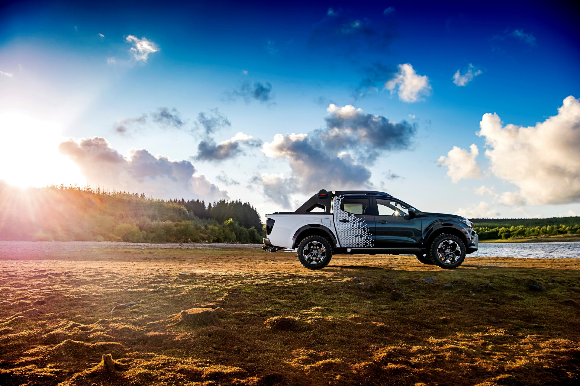 Nissan unveils mobile space observatory: the Nissan Navara Dark Sky Concept