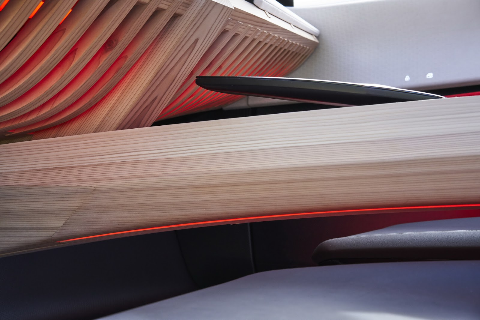 Nissan-Xmotion-Concept-463