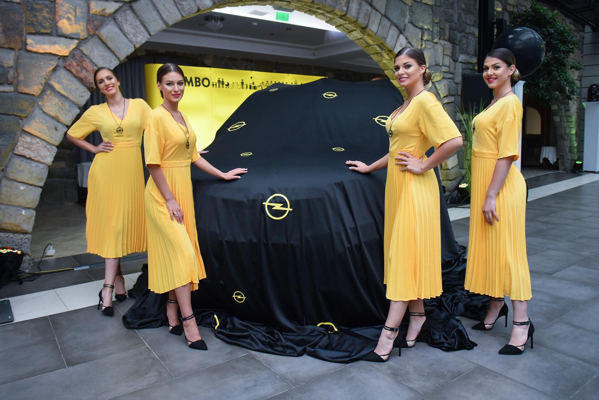 Opel_Combo_Life_static_0005