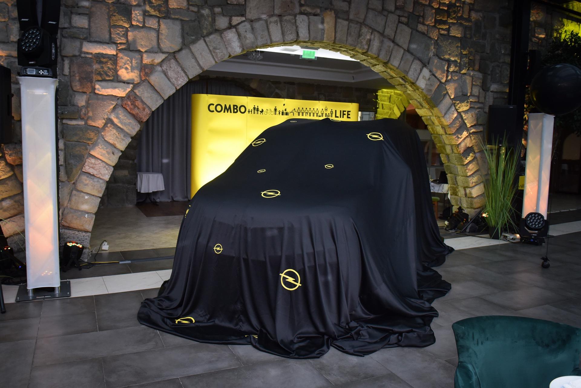 Opel_Combo_Life_static_0009