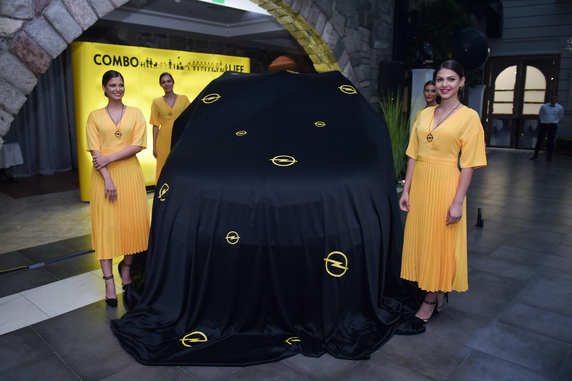 Opel_Combo_Life_static_0013