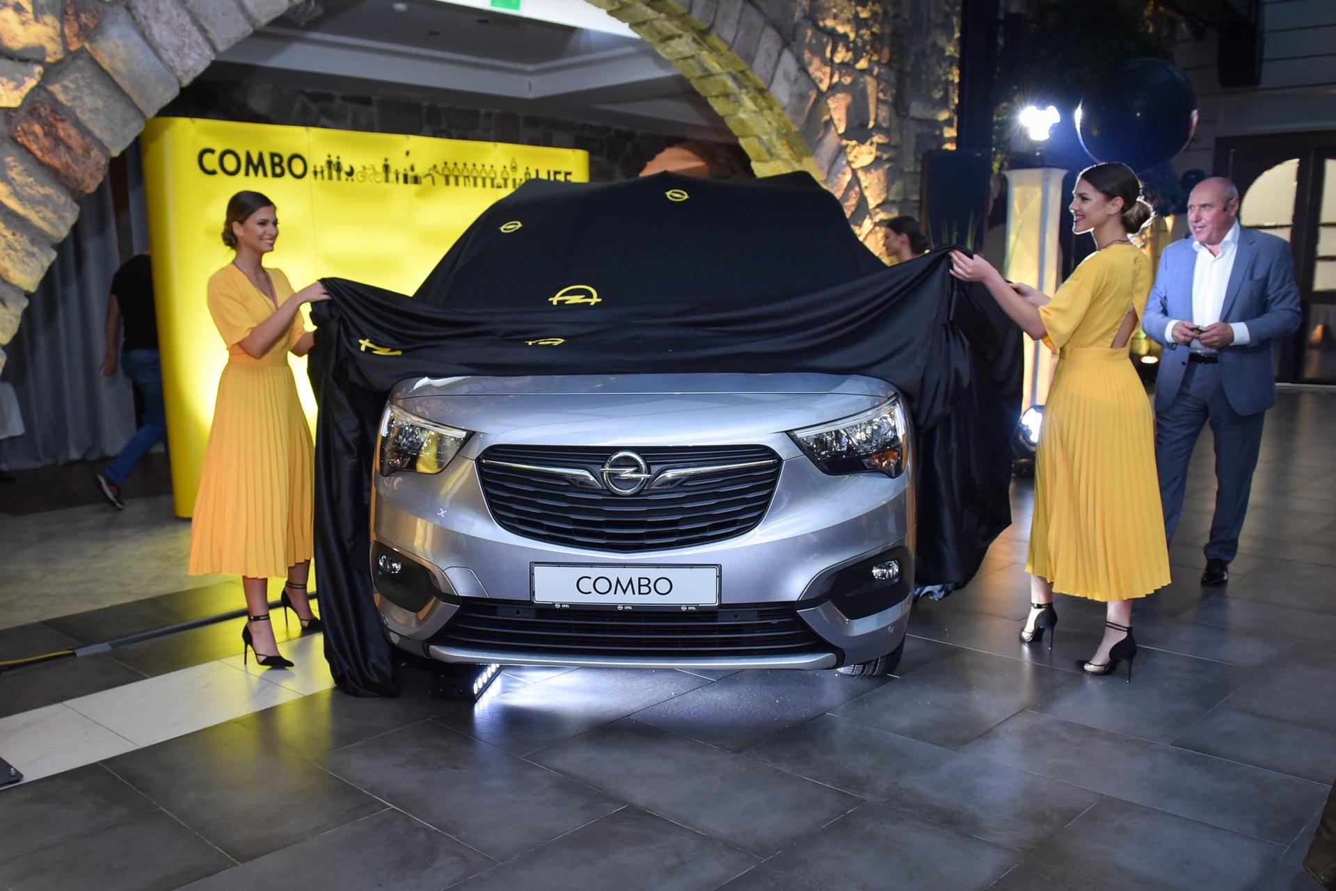 Opel_Combo_Life_static_0019