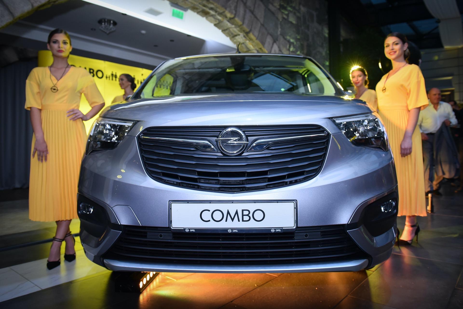 Opel_Combo_Life_static_0022