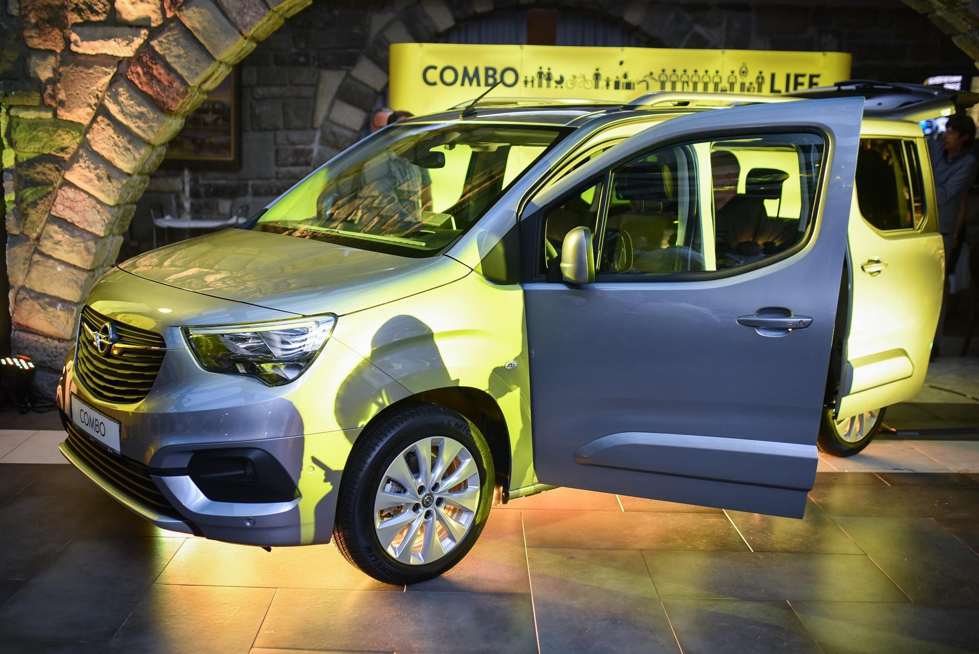 Opel_Combo_Life_static_0024