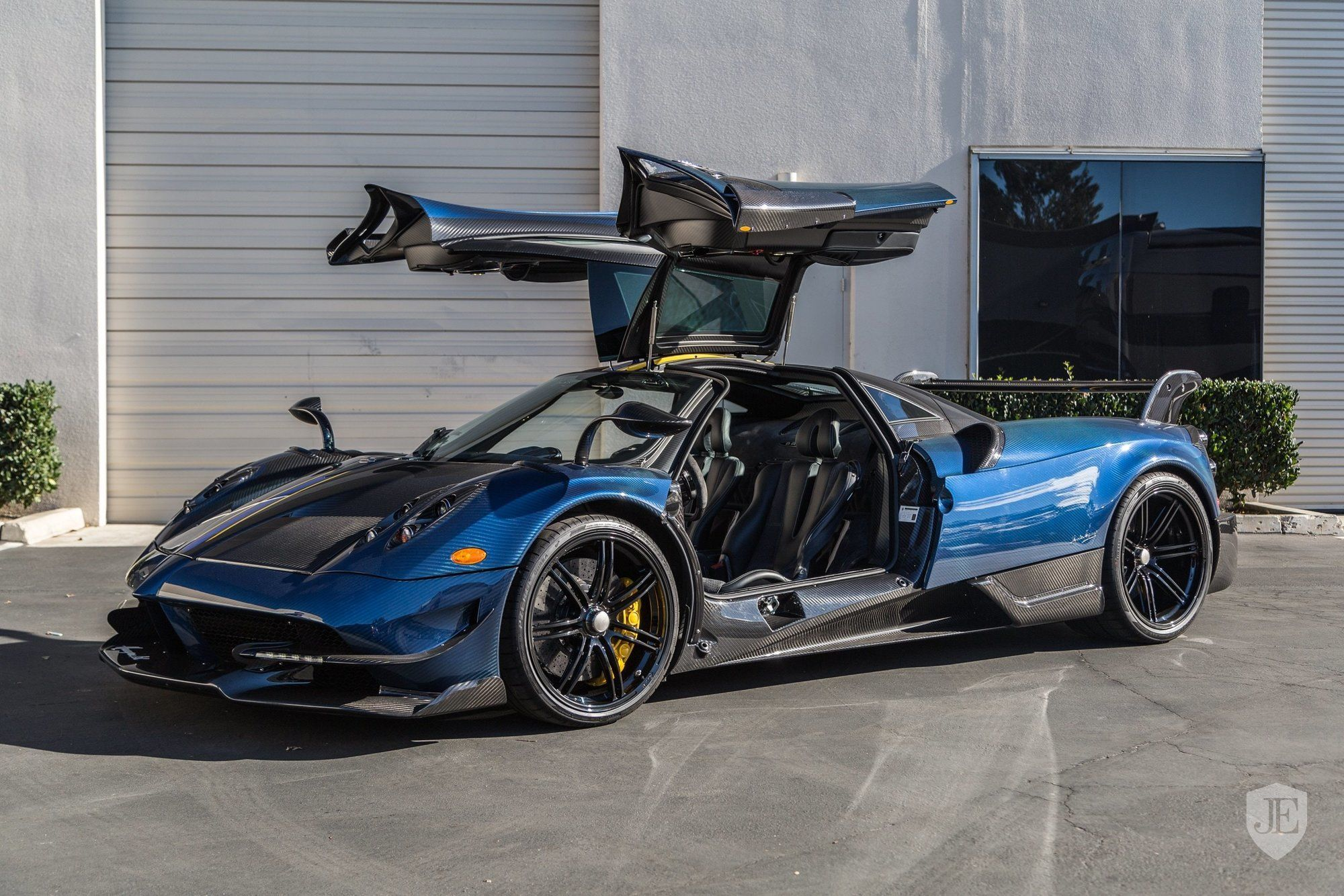 Pagani_Huayra_BC_for_sale_0000