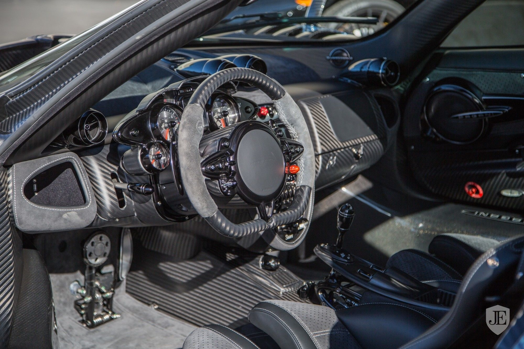 Pagani_Huayra_BC_for_sale_0003