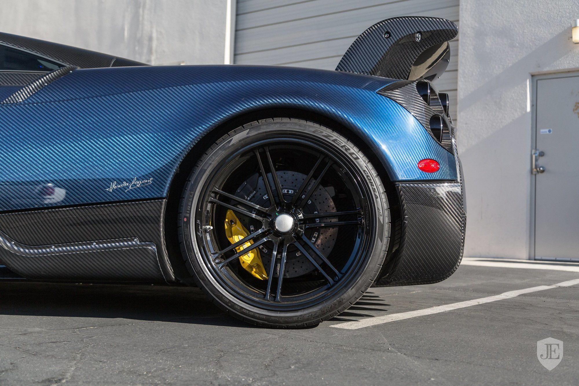Pagani_Huayra_BC_for_sale_0007