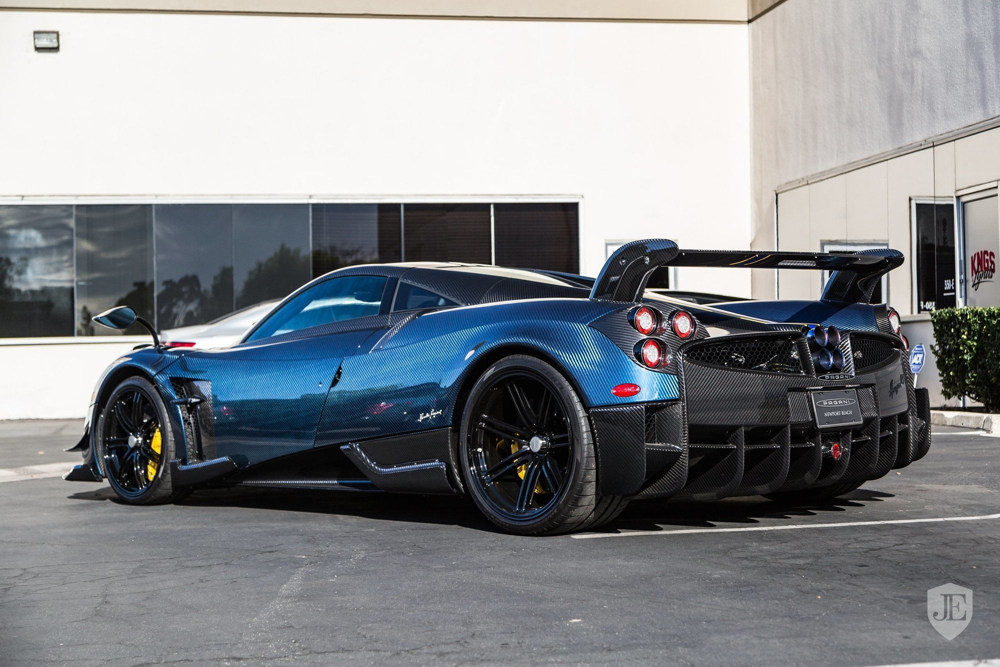 Pagani_Huayra_BC_for_sale_0018