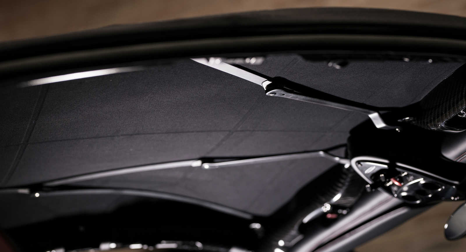 Pagani Huayra Roadster with Pagani Fabric roof (4)