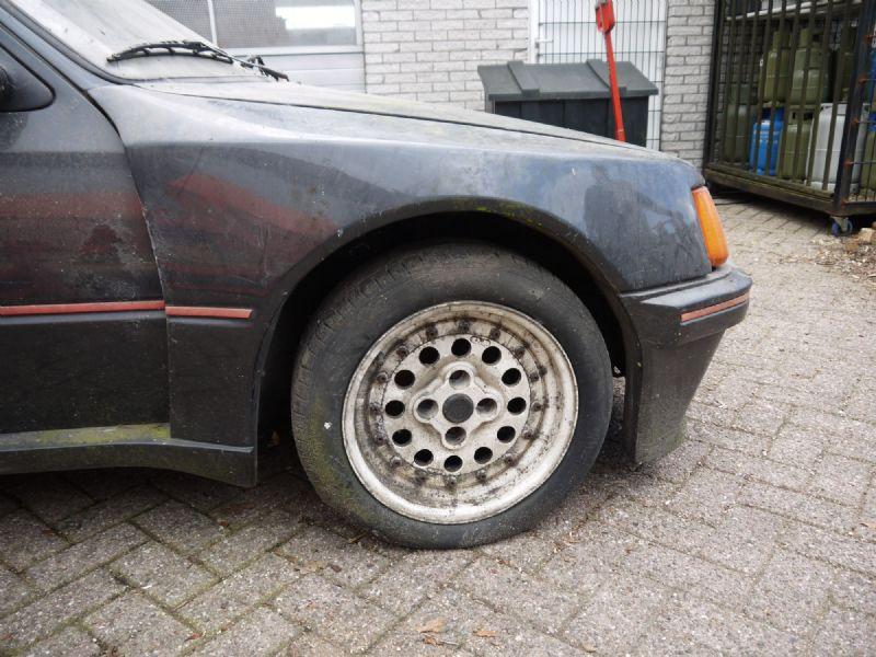 Peugeot 205 GTI Dimma barnfind (15)
