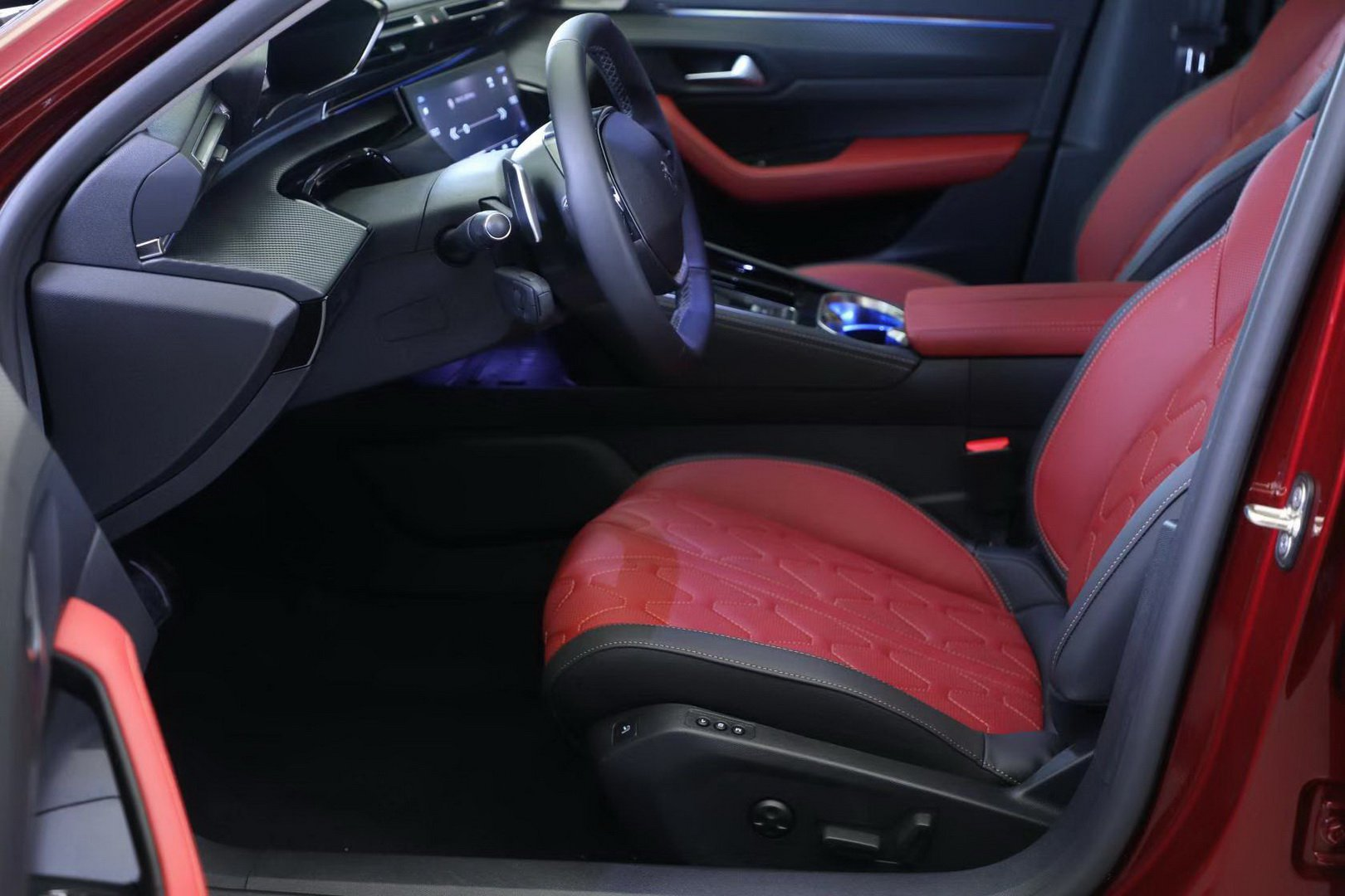 Peugeot 508L 2019 (12)