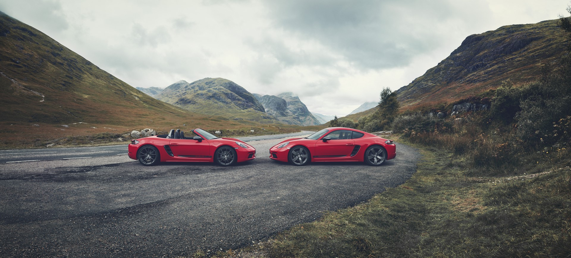 Porsche 718 Boxster T and 718 Cayman T (1)