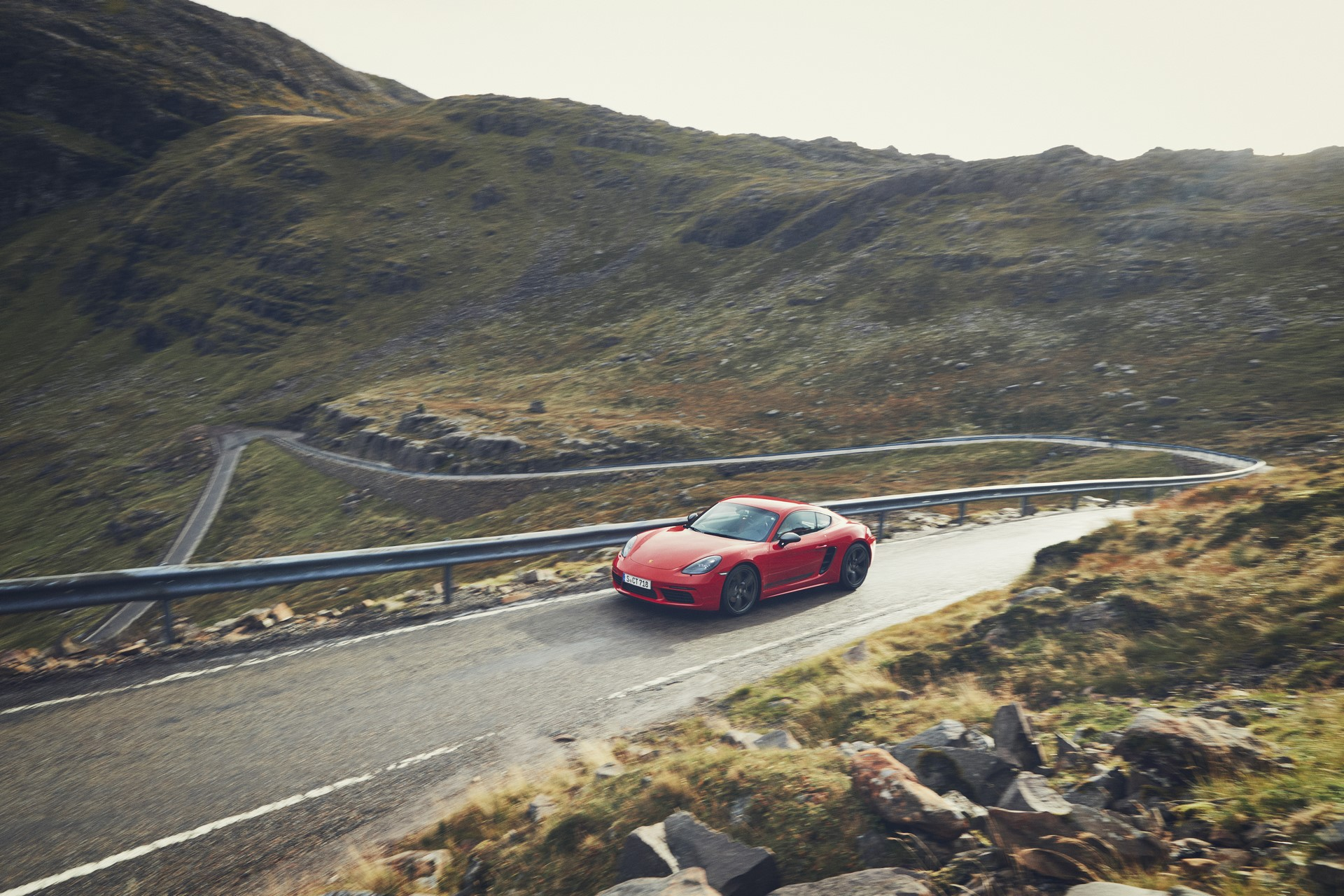Porsche 718 Boxster T and 718 Cayman T (13)