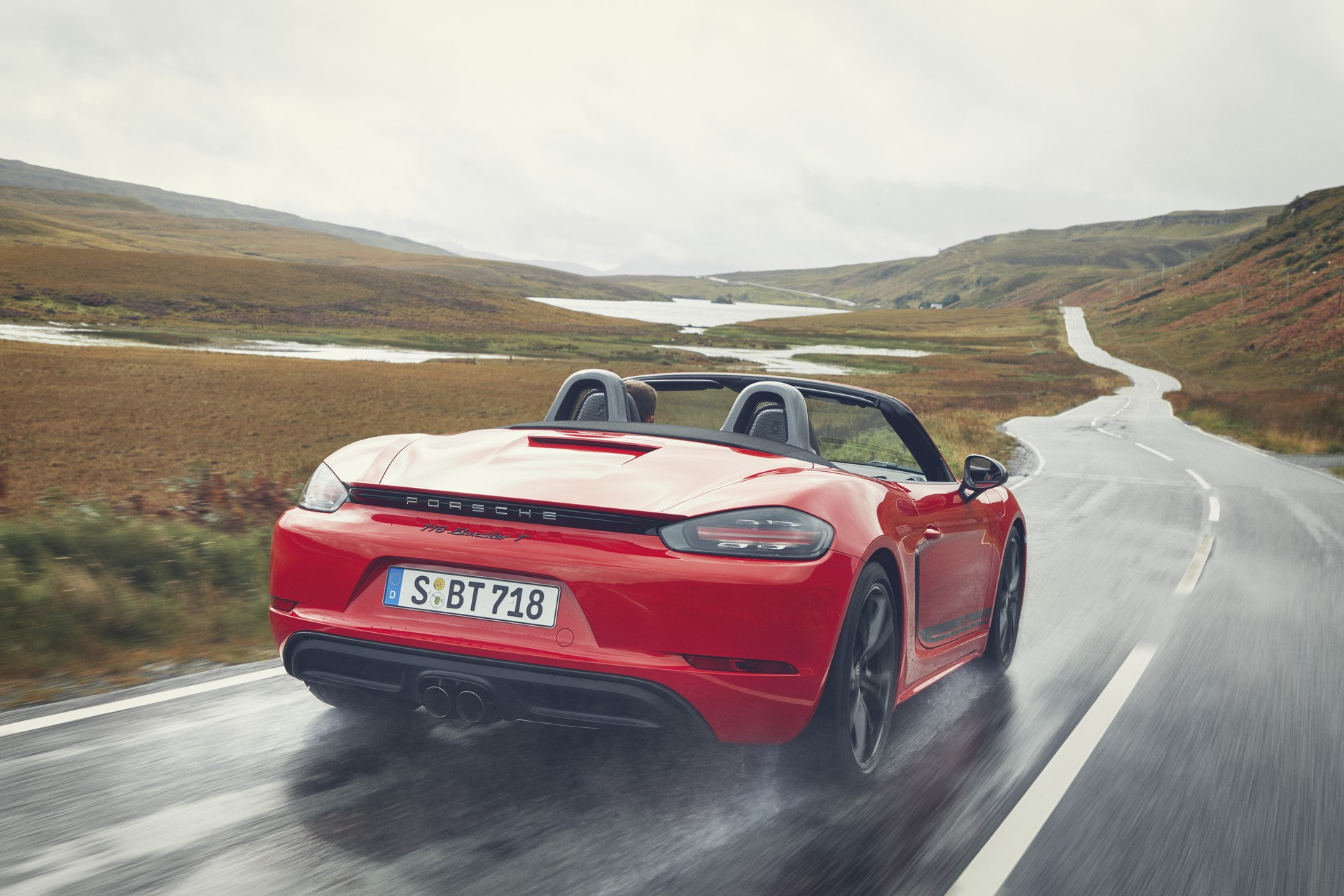 Porsche 718 Boxster T and 718 Cayman T (9)