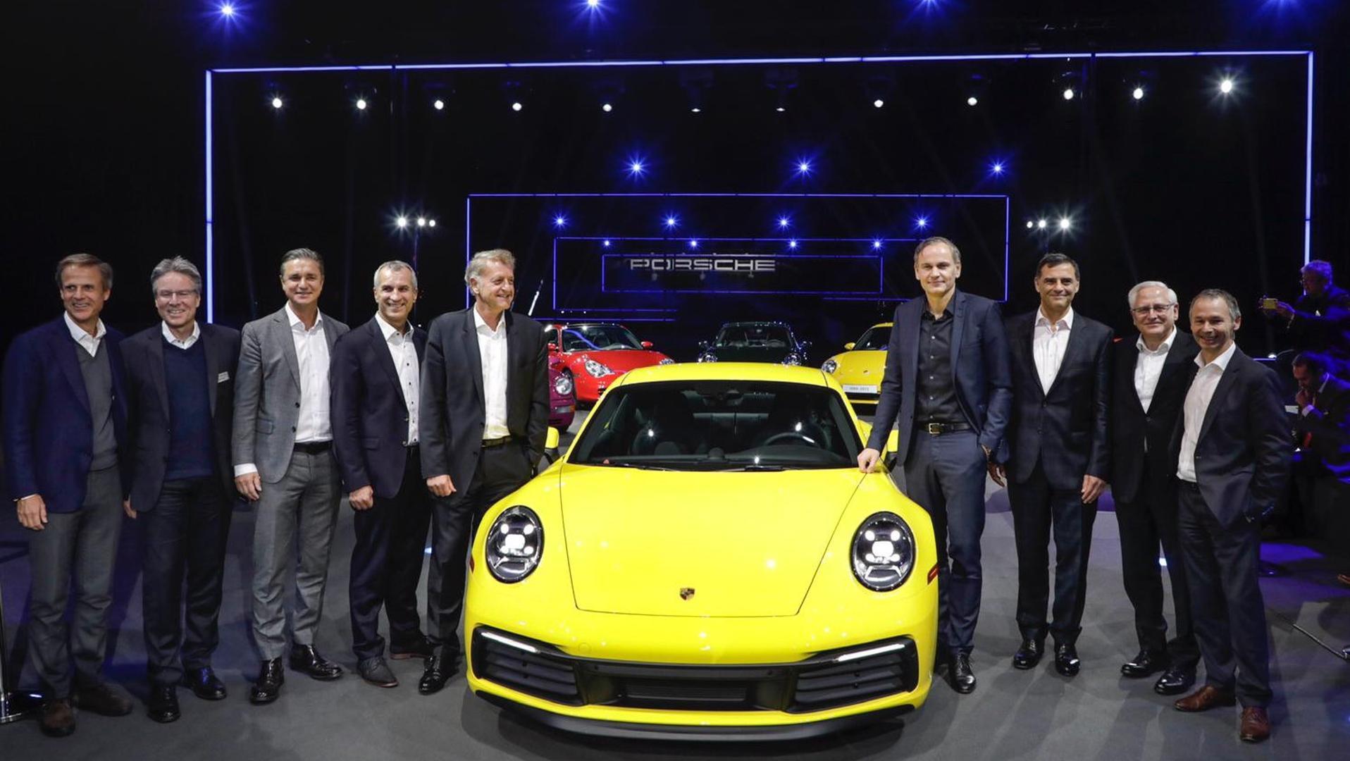 Porsche 911 2019 (1)