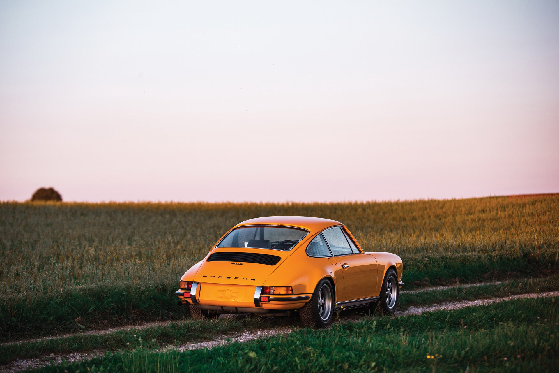 Porsche  911 Carrera RS 2.7. auction (2)