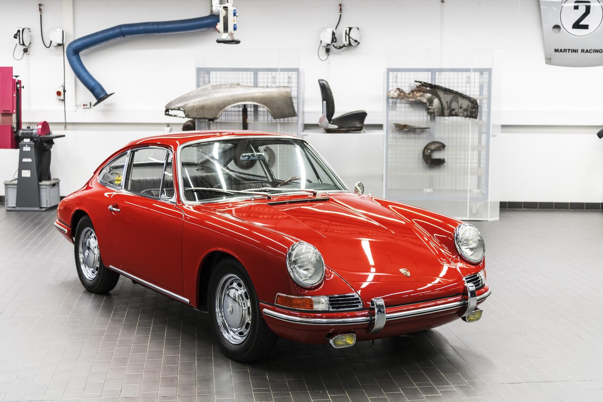 Porsche_911_first_generation_0004