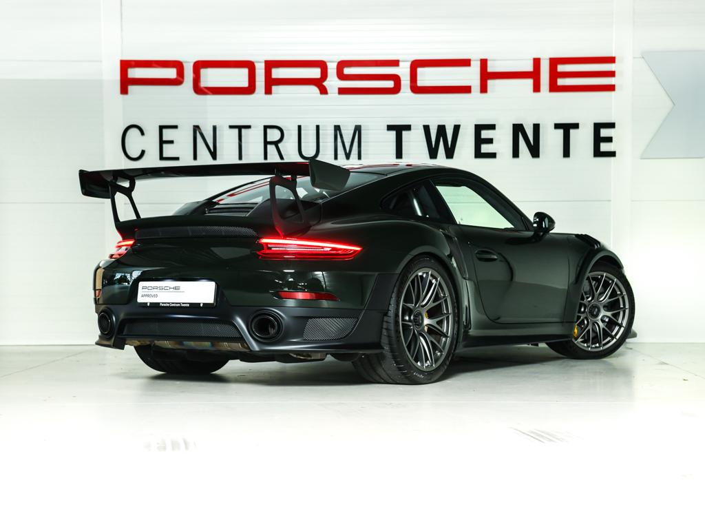 Porsche 911 GT2 RS 2018 for sale (3)