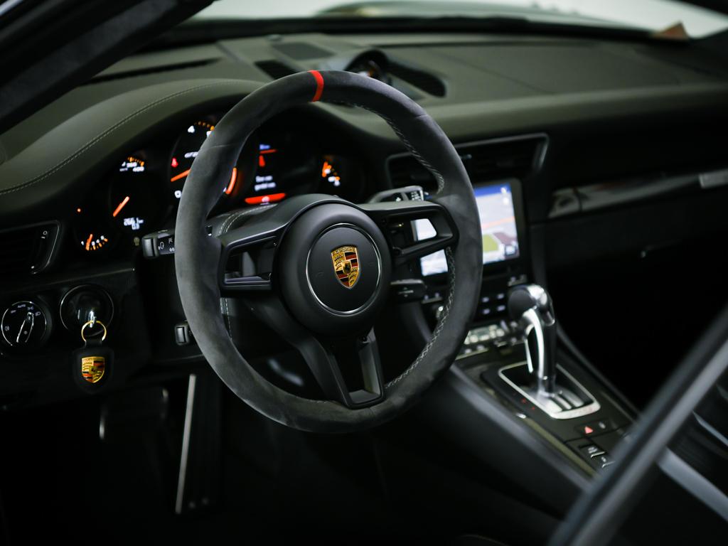 Porsche 911 GT2 RS 2018 for sale (7)