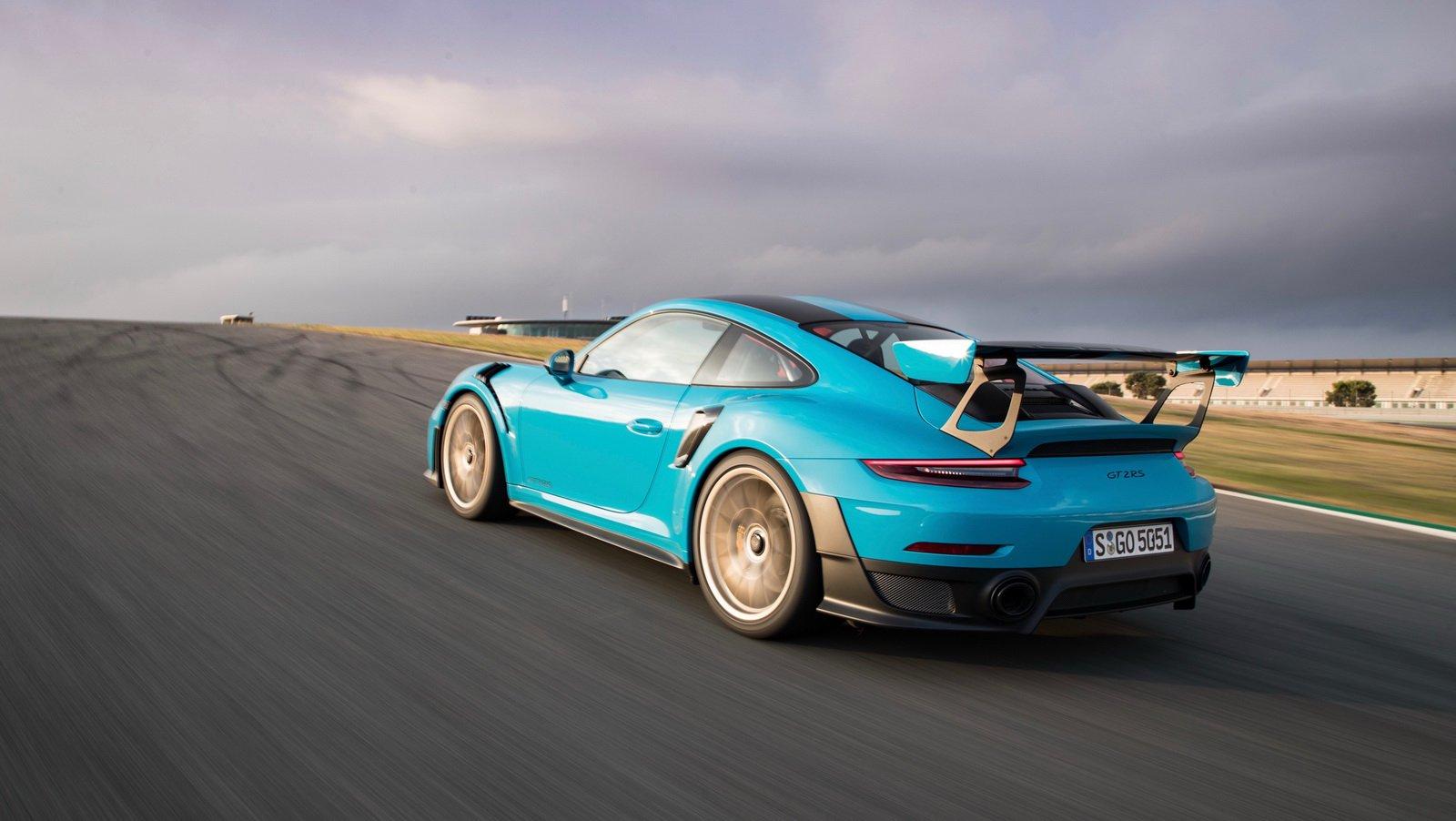 Porsche 911 GT2 RS Clubsport Package (4)