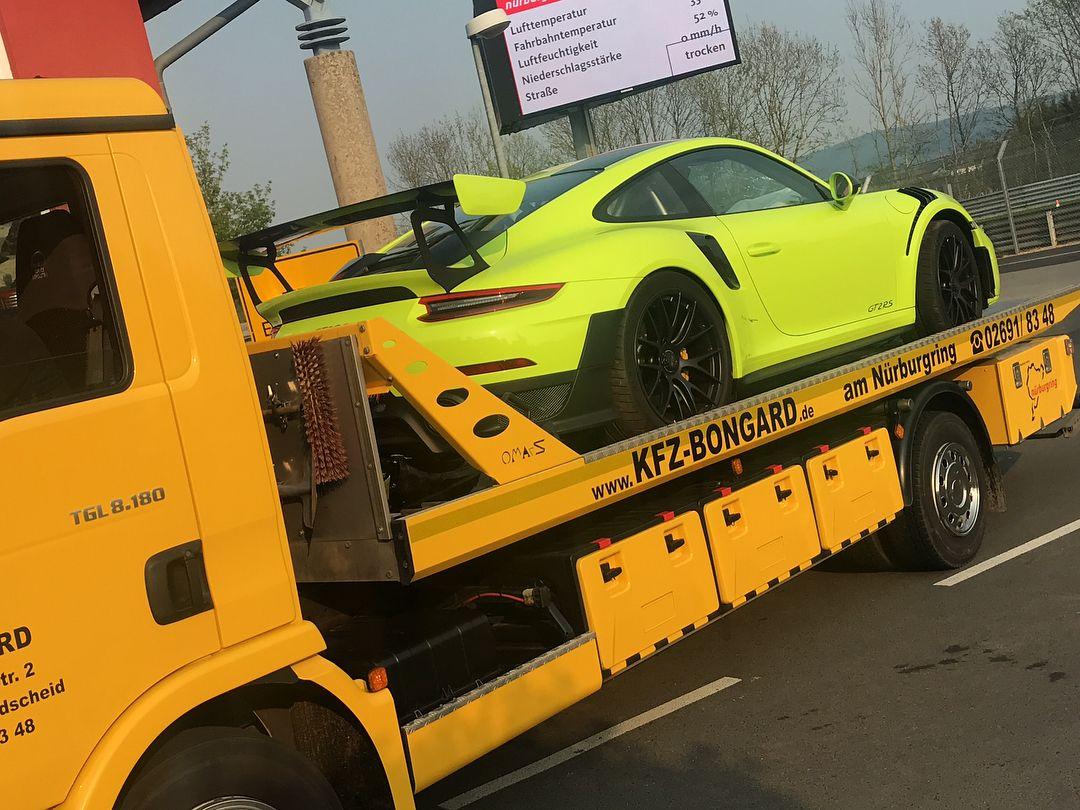 Porsche_911_GT2_RS_nurburgring_crash_0002