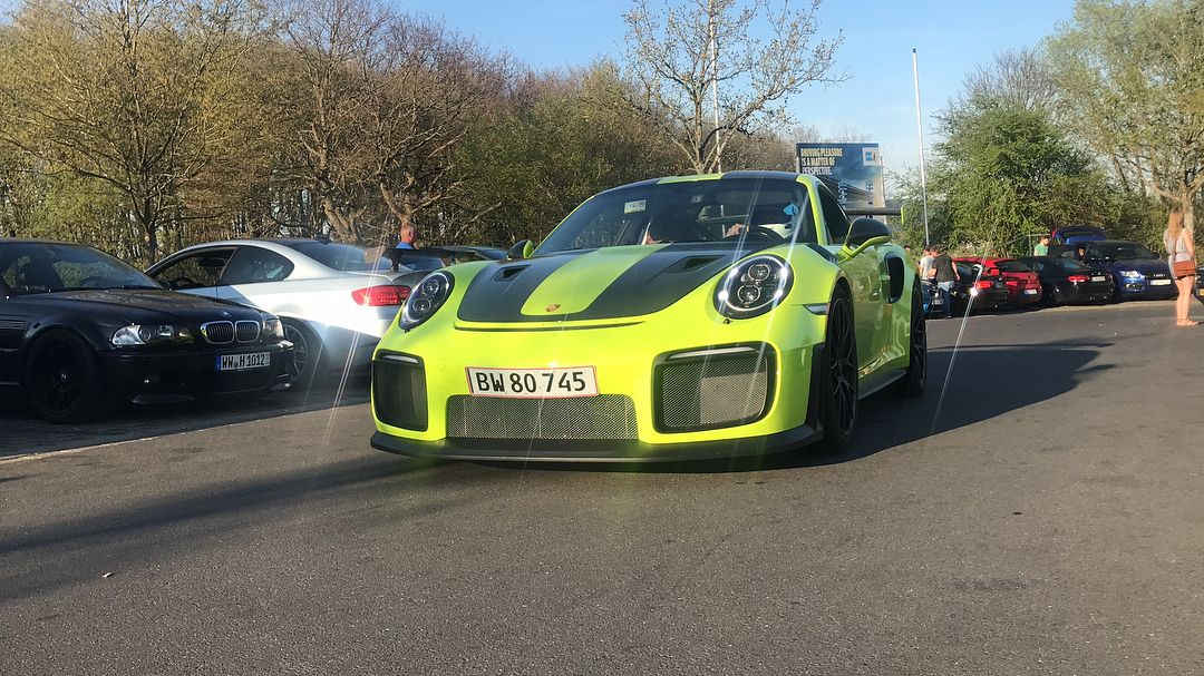 Porsche_911_GT2_RS_nurburgring_crash_0003